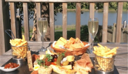 Lakeside Park Hotel, Wootton Bridge – Tempting Share Platter plus Prosecco for Two – normally £54.99 deal price £29.95