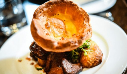 Albert Cottage Hotel, East Cowes – Delicious One-Course Sunday Lunch for Adults or Children – normally up to £12.95 deal price from £5.45