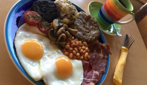 Brownriggs Farm Shop & Cafe, Godshill – Tasty Made-to-Order Farmhouse Breakfast for Two – normally £17.00 deal price £9.95