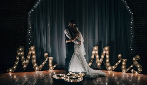 Inspired Island Events, Ryde – Gorgeous Mr and Mrs Illuminated Sign – normally £145.00 deal price £85.00