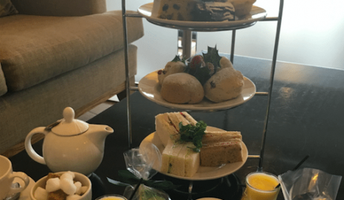 Lakeside Park Hotel & Spa, Wootton Bridge – Christmas Indulgence Afternoon Tea with or without Prosecco – normally up to £24.95 deal price from £12.95