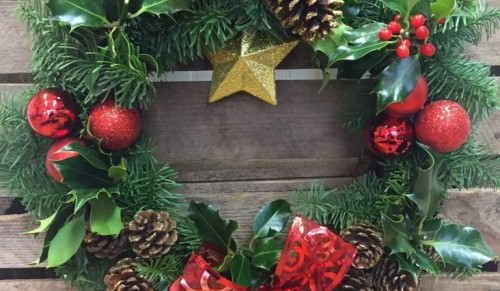 Summer Lilly's Flowers, Newport – Wonderful Christmas Candle Table Arrangement, Christmas Wreath or Hand-Tied Christmas Bouquet – normally up to £35.00 deal price from £14.95