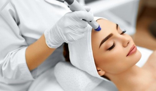 Blush Hair & Beauty, Bembridge – Choice of Microdermabrasion Express Facial with or without Massage, Gel Nails, Eyebrow Wax & Lash Lift – normally up to £60.00 deal price from £5.00