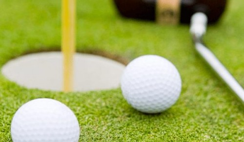 Westridge Golf Centre, Ryde – Group Golf Lesson for up to Four People on the Course or Driving Range – normally £50.00 deal price £40.00