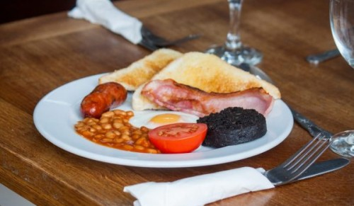 Appley Beach Cafe, Ryde – Appley Happy English Breakfast for Two including Hot Drinks – normally £17.50 deal price £9.95