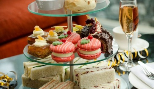 Lakeside Park Hotel and Spa, Wootton Bridge – Christmas Indulgence Afternoon Tea with or without Prosecco – normally up to £24.95 deal price from £12.95